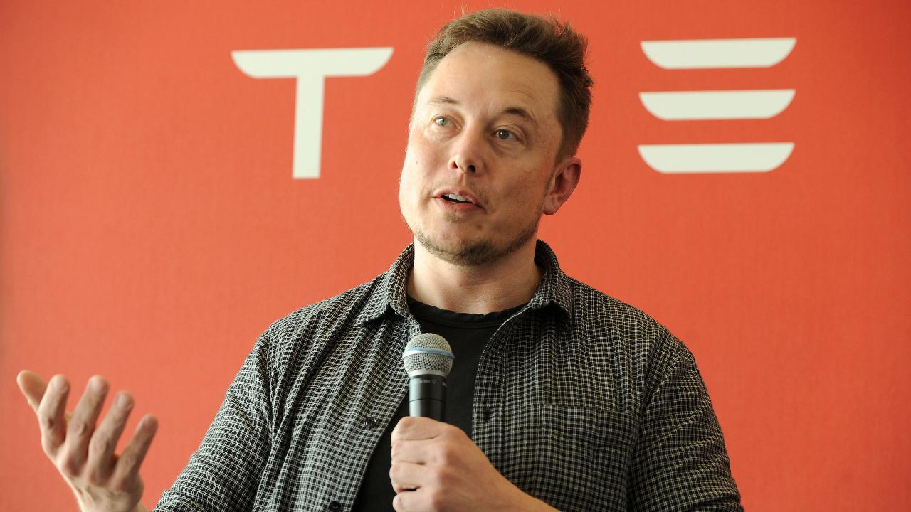 Fox News contributor James Freeman, Barron's Associate Editor Jack Otter and Cornell Capital Partner Ann Berry on Tesla CEO Elon Musk touting brain-chip technology and Tesla's push for self-driving cars.