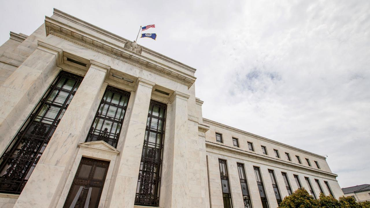 Former Dallas Fed adviser Danielle DiMartino Booth, former JPMorgan Chase Chief Economist Anthony Chan and James Freeman on the outlook for Federal Reserve policy.
