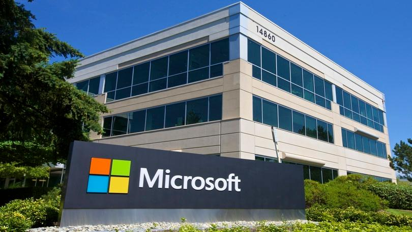 FOX Business' Gerri Willis reports on Microsoft's fourth-quarter earnings.