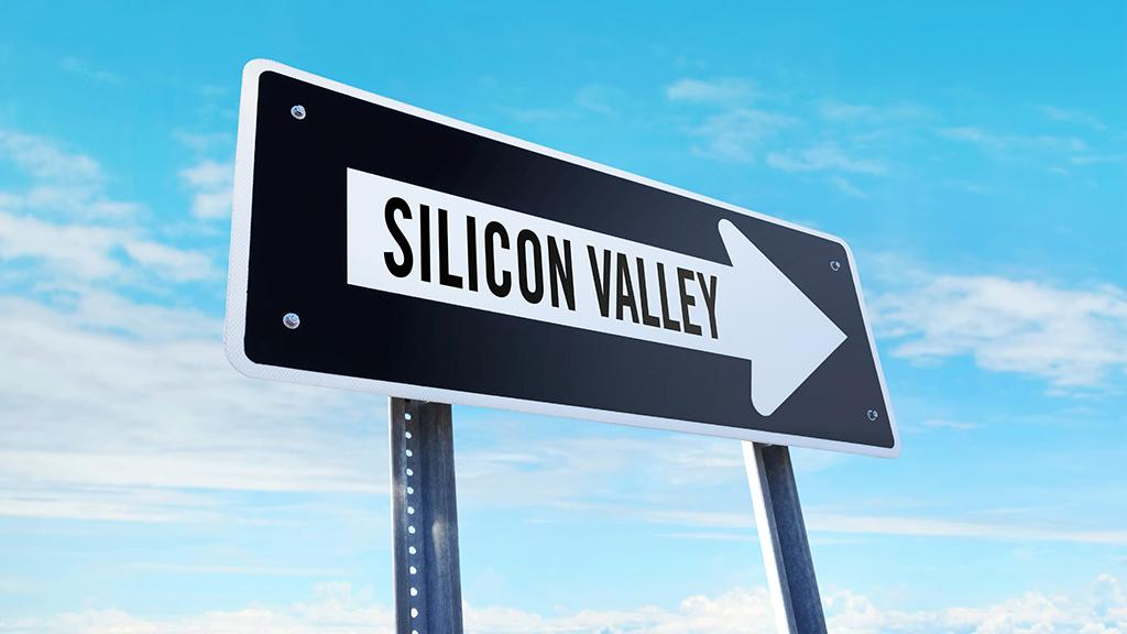 "Capitalist Pig Hedge Fund's Jonathan Hoenig, former investment banker Carol Roth, FOX Business' Kristina Partsinevelos and Layfield Report CEO John Layfield discuss how Silicon Valley is developing its own ""social credit"" system."