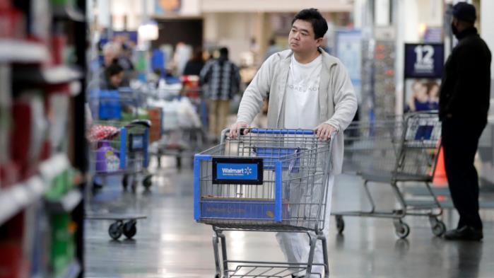Robot 'associates' reportedly help Walmart beat earnings expectations