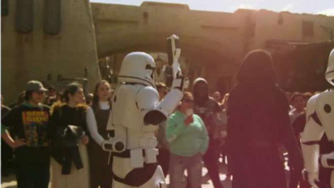 Fortune Executive Editor Adam Lashinsky and CFRA Director Tuna Amobi on reports Disneyland's 'Star Wars' Land opened to disappointing crowds.