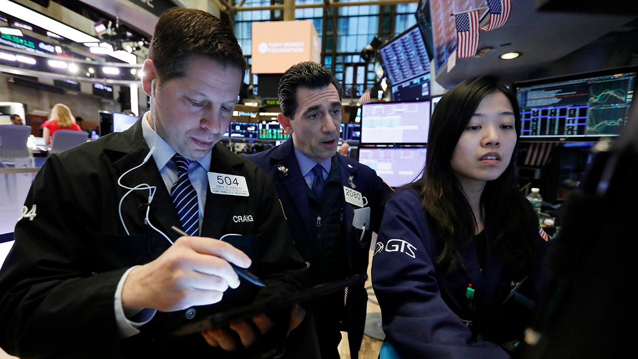 Michael Crook, head of Americas investment strategy at UBS Global Wealth Management, discusses whether investors should be concerned about a global recession.