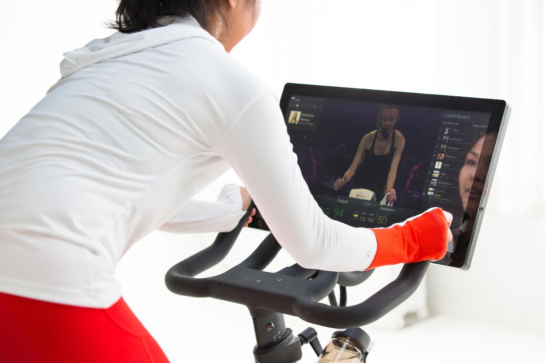 FBN's Deirdre Bolton weighs in on Peloton's IPO.