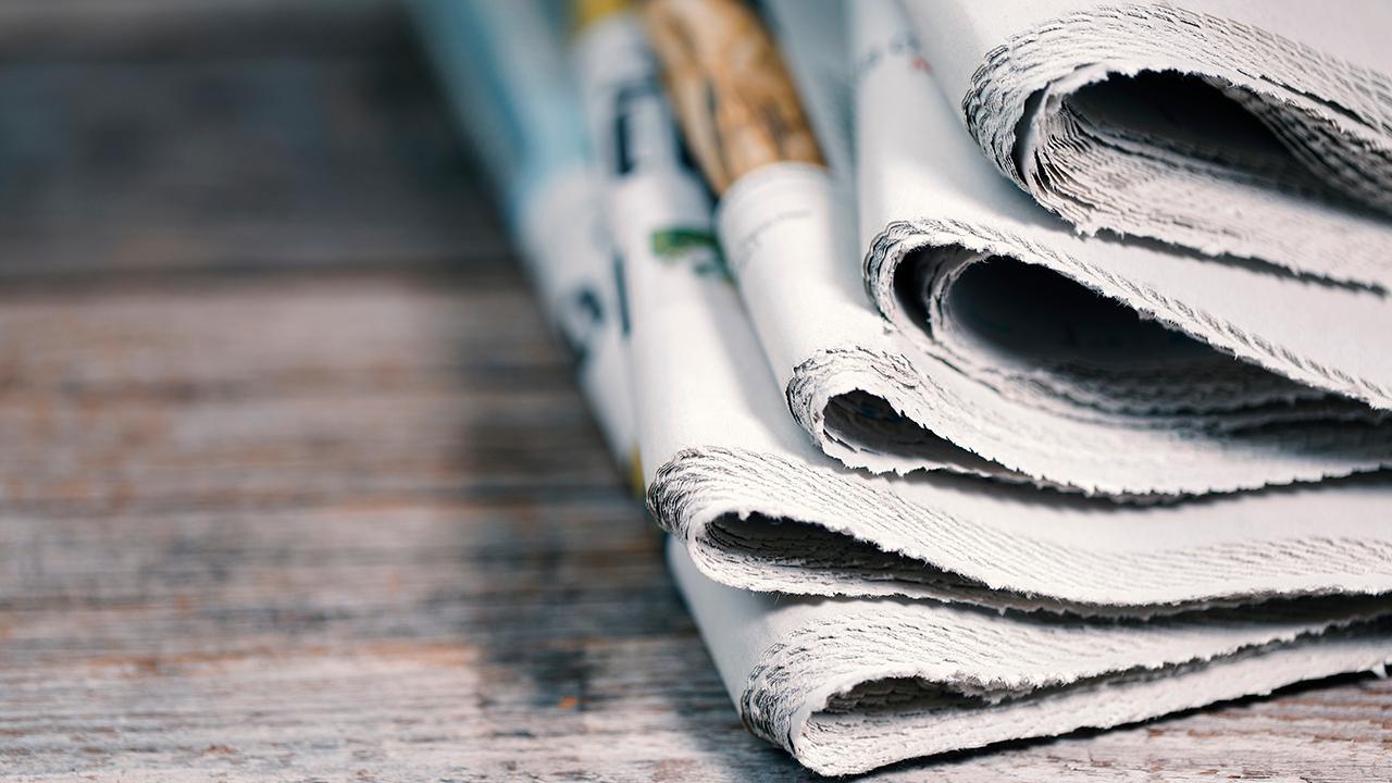 FOX Business' 'Bulls & Bears' discusses the newspapers vs. Facebook and Google debate.