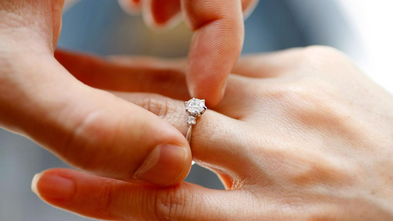 Reporter Mike Gunzelman discusses a new study on marriage rates.