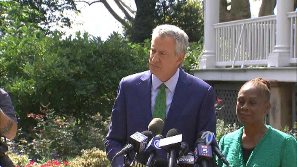 'I wish I had more time I wish I had more resources I think that would have made a difference,' New York City Mayor Bill de Blasio said.