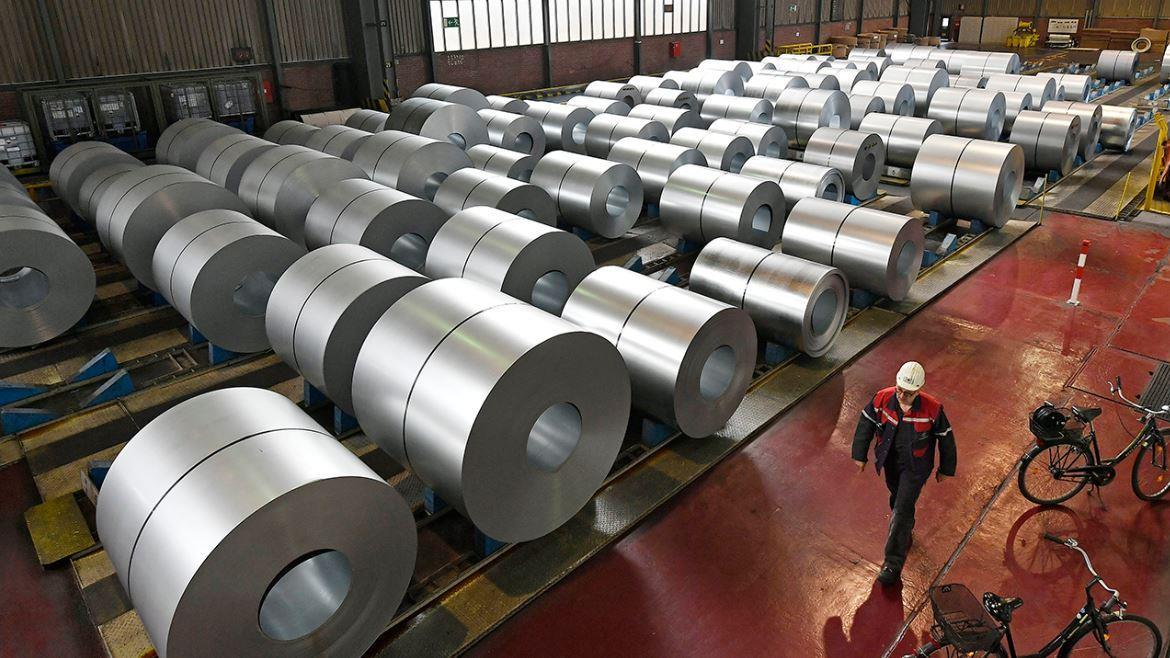 FJM Ferro founder and CEO Joe Casucci discusses the declining earnings among steel manufacturers.