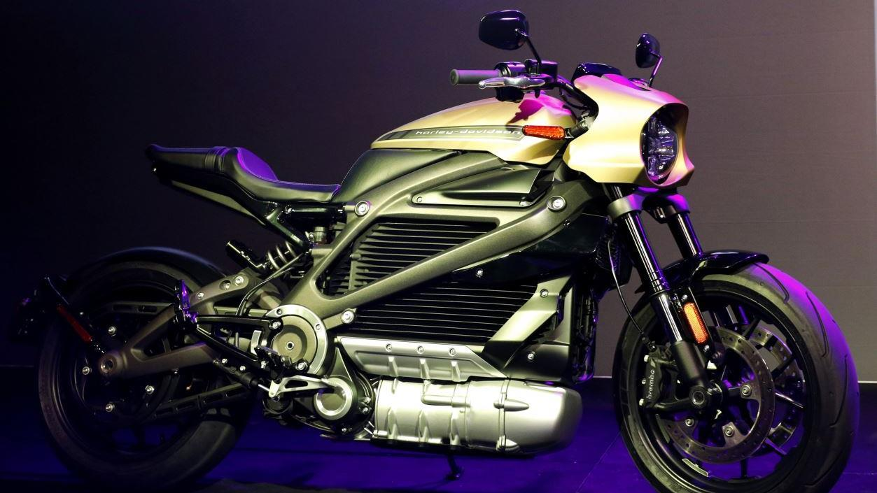 FOX Business' Jeff Flock reports on Harley-Davidson's temporary cancelation of its new all-electric motorcycle, the LiveWire.