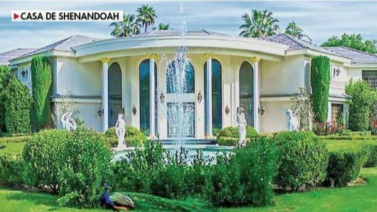 Wayne Newton's Casa de Shenandoah mansion sells for $65 million less than original asking price. FOX Business' Susan Li with more.