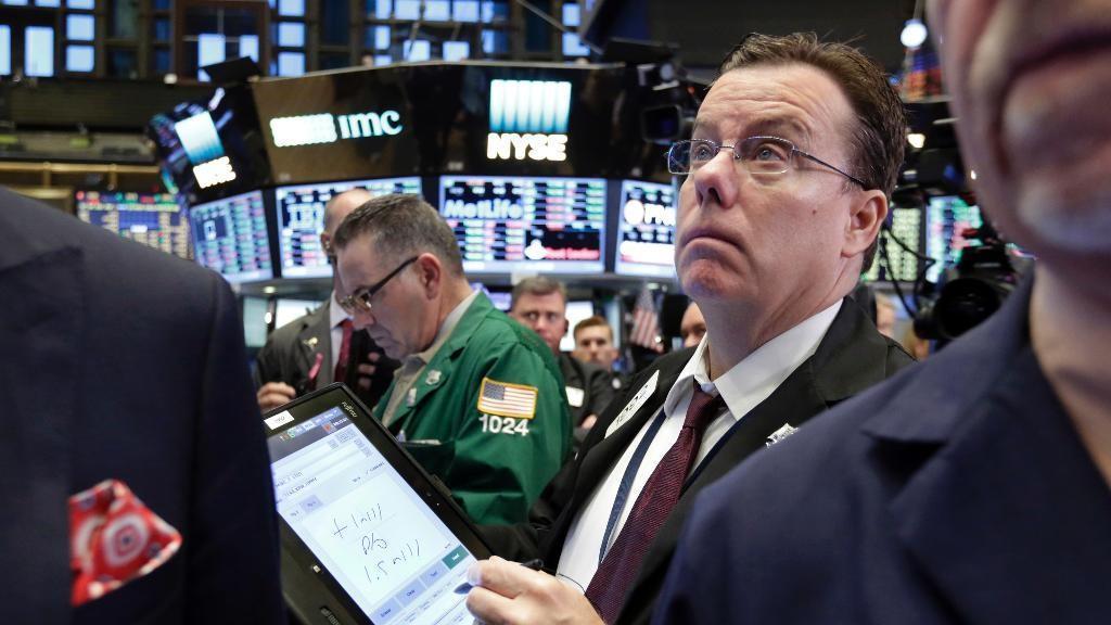 Capital Wealth Planning market strategist Jeff Saut discusses investment strategies amid trade war concerns.