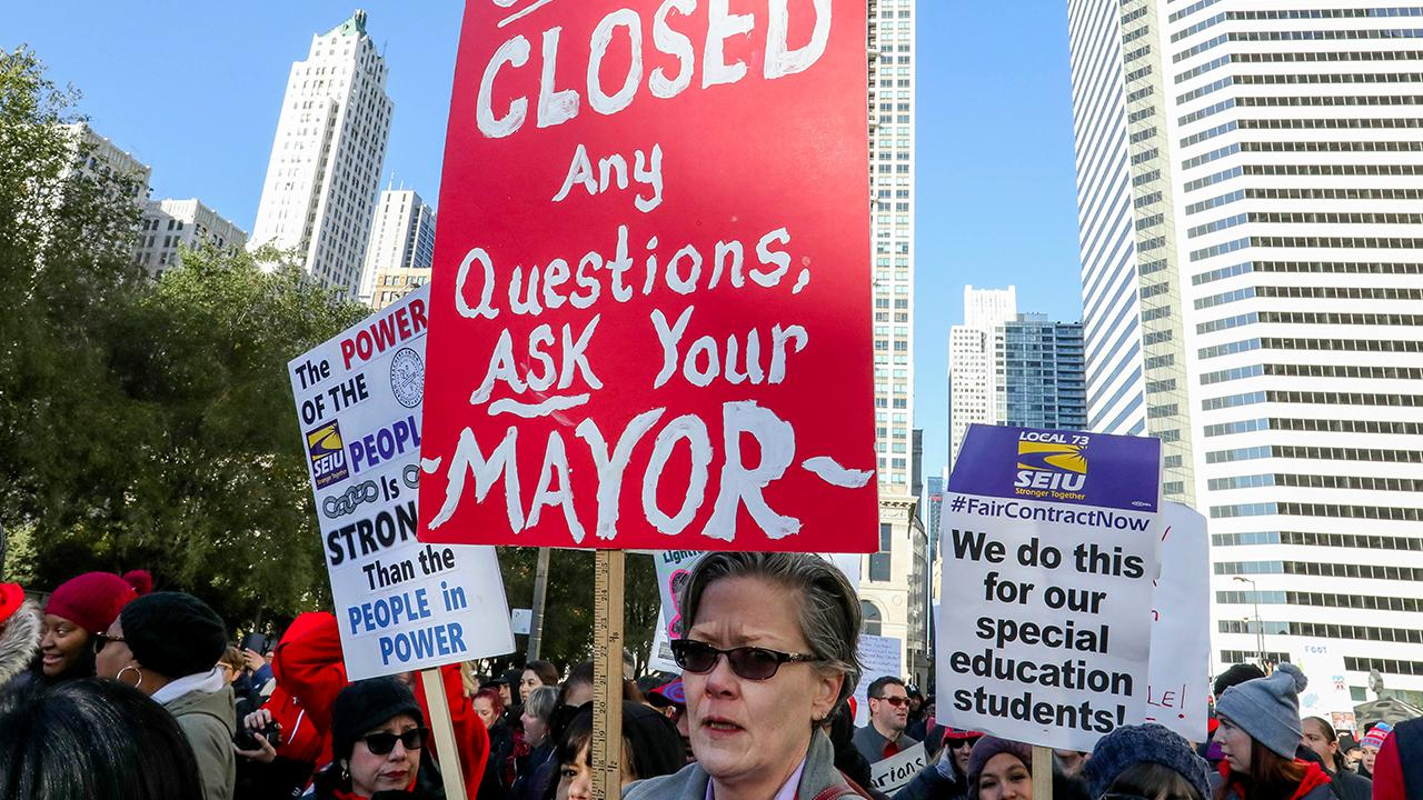 The Chicago mayor says the teachers' union has ended the 11-day strike after coming to an agreement on missed school days.