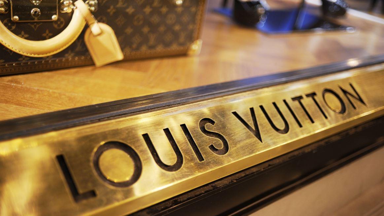 U.S Ambassador to France Jamie McCourt discusses Louis Vuitton's decision to produce handbags in Texas.
