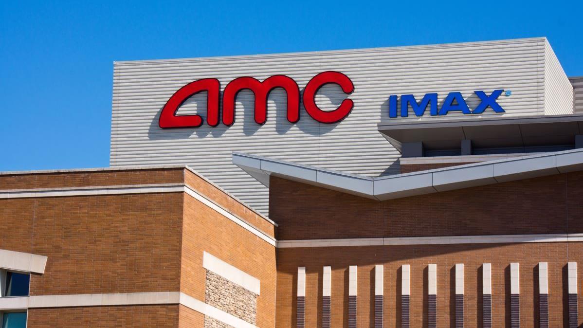Fox News Headlines 24/7 anchor Brett Larson reports on the streaming war's escalation as AMC enters the market.