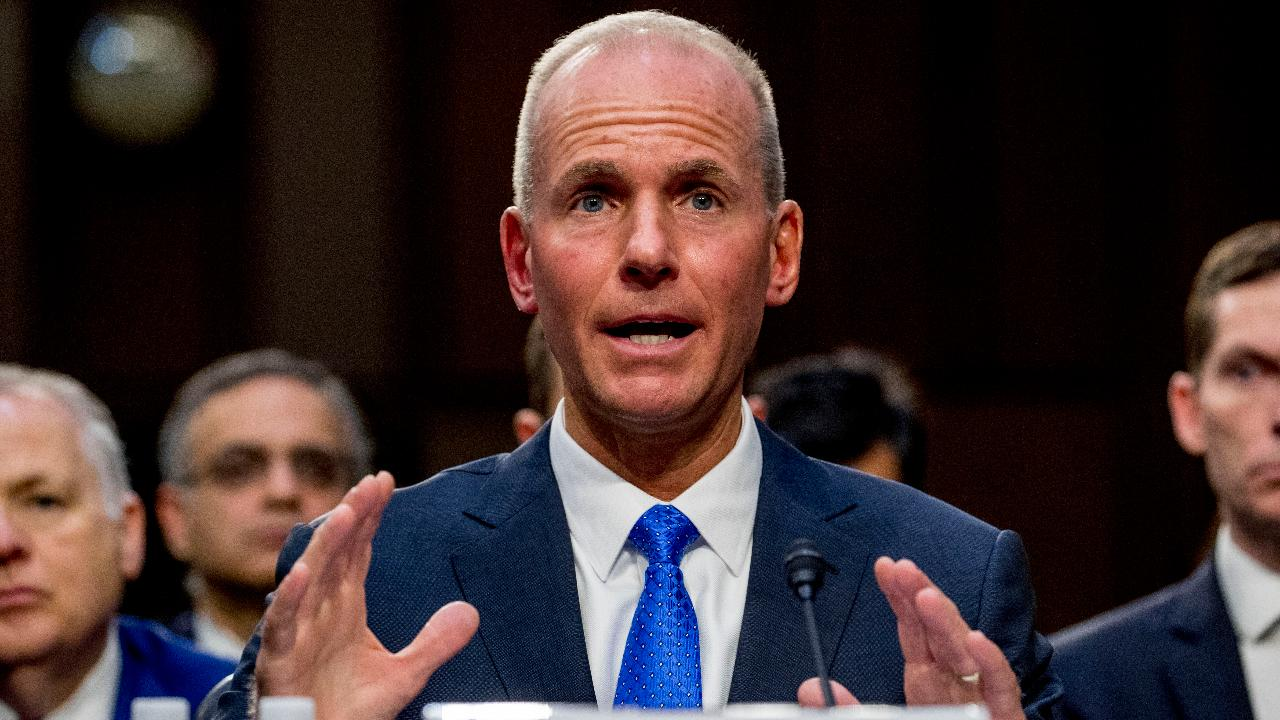 Pilot and aviation analyst Kyle Bailey responds to Dennis Muilenburg's testimony about the Boeing 737 Max accidents. FOX Business' Grady Trimble reports from Washington.