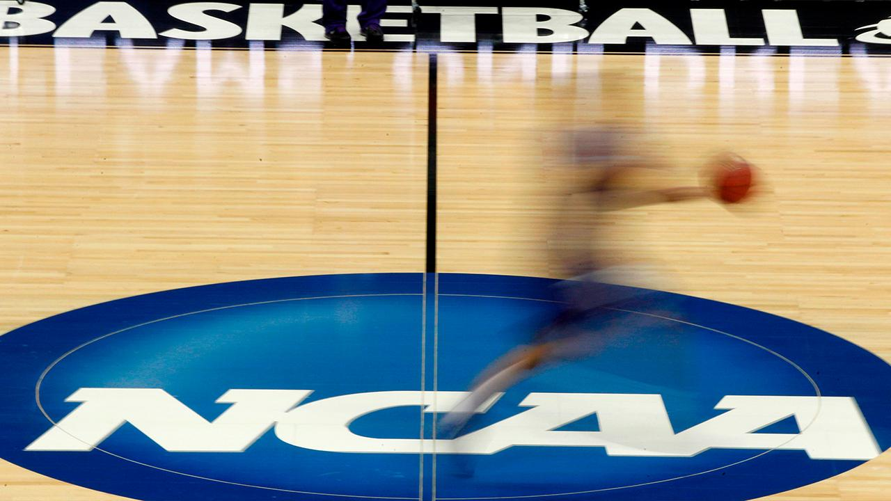 Fox News senior judicial analyst Judge Andrew Napolitano gives his thoughts on the NCAA taking steps to pay college athletes.