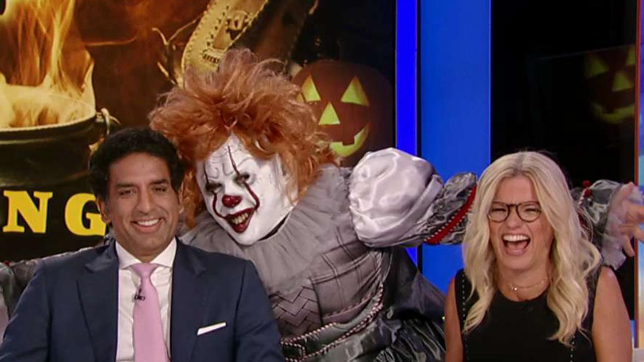 From Pennywise to T. Rex, Rubies Costume Company co-owner Howard Beige shows FOX Business' Maria Bartiromo 2019's most popular Halloween costumes.
