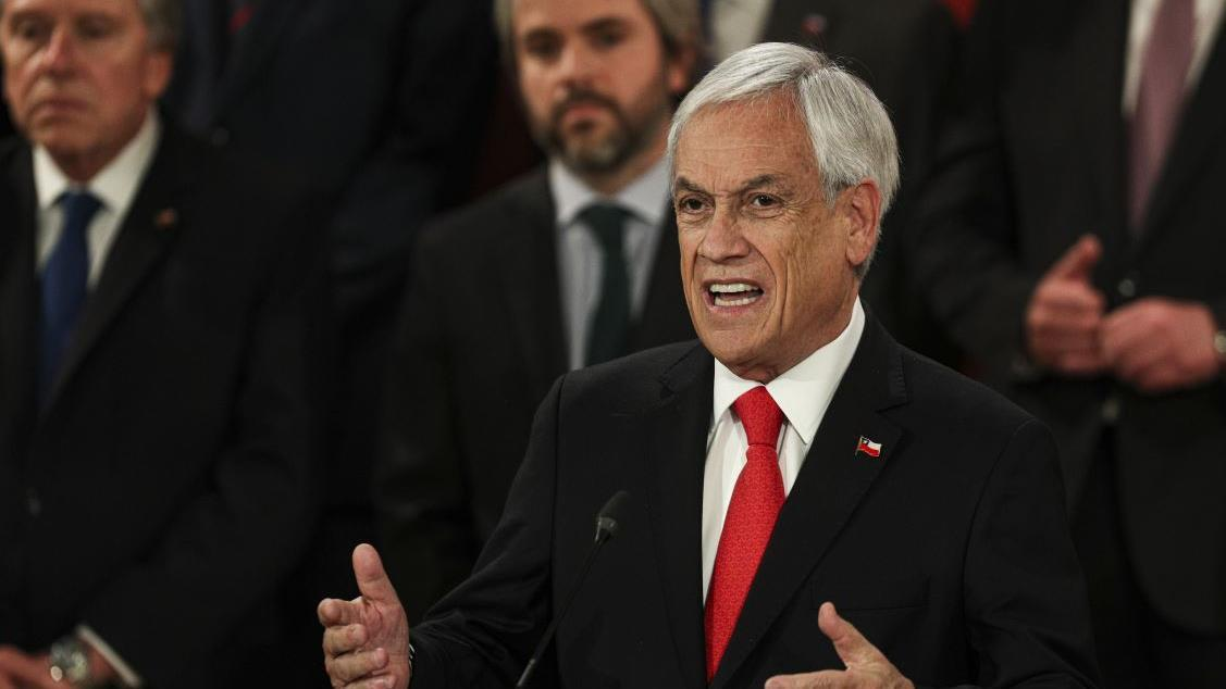 Chile's President Pinera, in a tweet, said his country will no longer be hosting the upcoming APEC summit amid unrest and security concerns. FOX Business' Edward Lawrence with more.