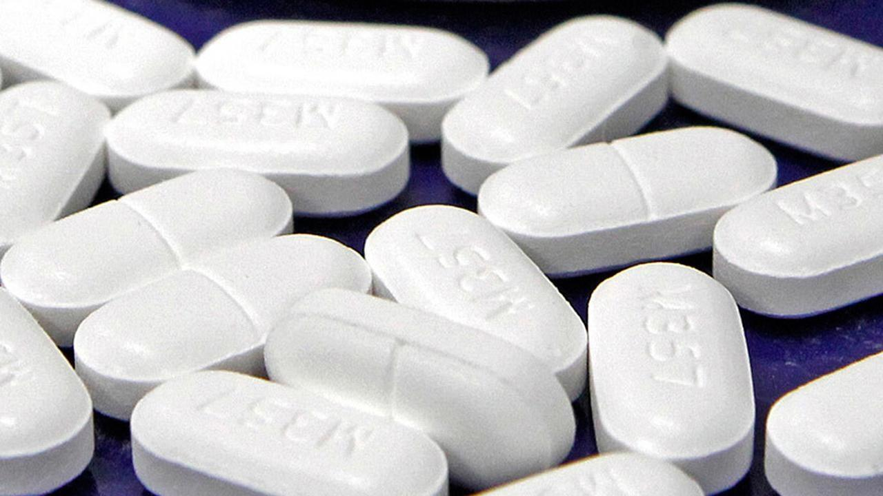 Fox News Medical Correspondent Dr. Marc Siegel discusses the reasoning behind doctors over-prescribing opioids to patients.