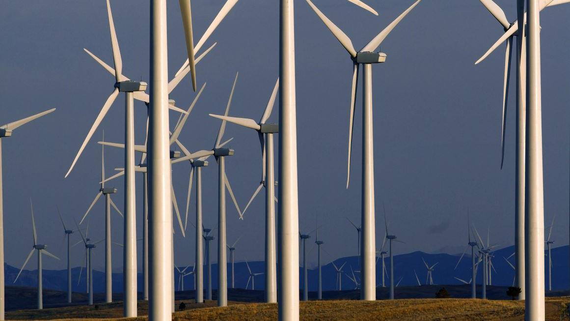 FOX Business' Todd Piro reports on the end of a federal tax credit that may threaten the future of wind farming.