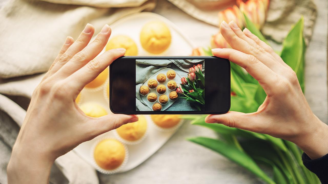 Food influencer Dina Deleasa-Gonsar and Gerber Group CEO Scott Gerber discuss how Instagram food influencing impacts business.