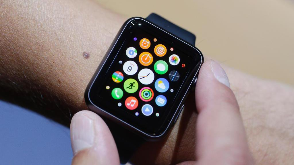 FOX Business contributor and senior editor-at-large for Fortune Magazine Adam Lashinsky discusses the positive health benefits the Apple Watch brings to the table.
