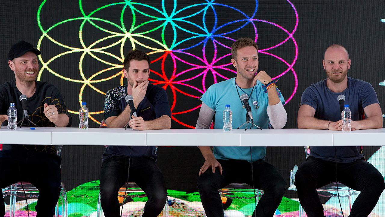 Is the band Coldplay's goal to make its concerts environmentally conscious a realistic goal? Capitalist Pig hedge fund's Jonathan Hoenig, Kadina Group president Gary B. Smith, FOX Business' Kristina Partsinevelos, Fox News contributor Liz Peek and FOX Business' David Asman discuss.
