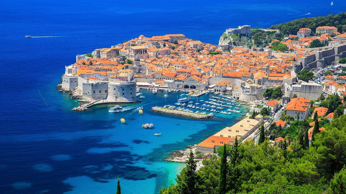 'Cruise of Thrones' sponsor Lynette Durovic discusses her company's cruises along the Dalmatian Coast, Iceland and Ireland showing 'Game of Thrones' fans key sites from the show.