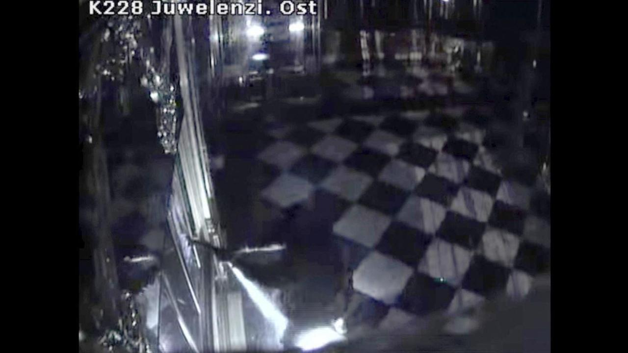 New video shows the Dresden, Germany museum thieves in action as they take off with precious jewels. FOX Business' Maria Bartiromo with more.