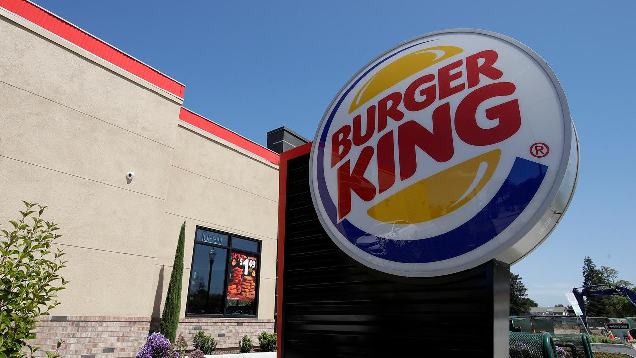 Kaltbaum Capital Management president Gary Kaltbaum gives his thoughts on a vegan suing Burger King over 'contamination' and says he wishes customers would go to the restaurant with a concern before launching a lawsuit.