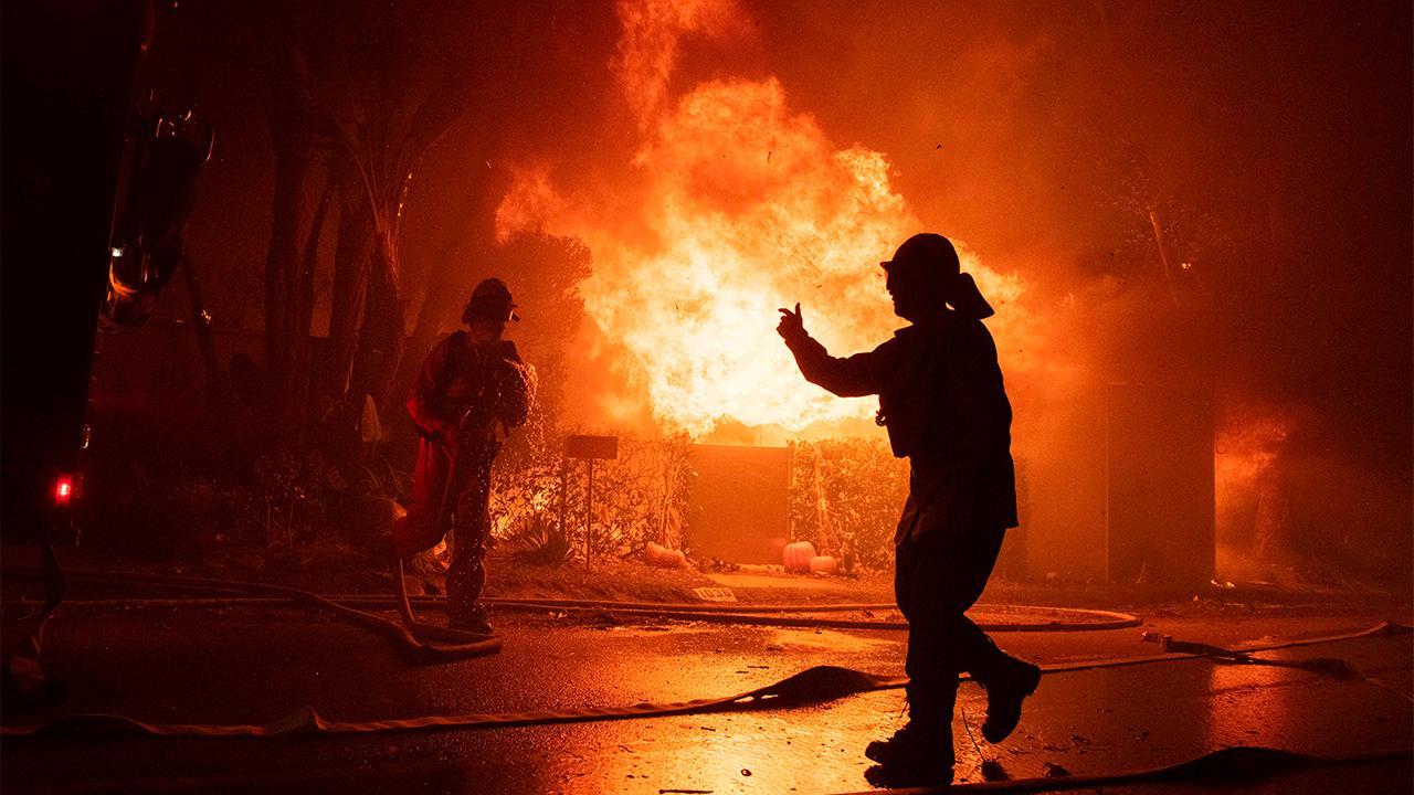 Fox News' Jeff Paul discusses the raging wildfires in Santa Barbara County, California.