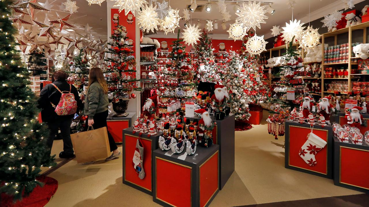 Retail analyst Erin Sykes discusses the holiday shopping outlook with Black Friday approaching and the comeback of malls.
