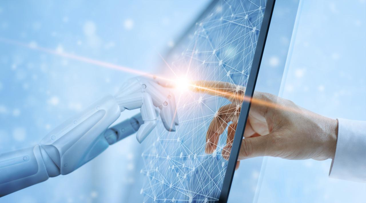 JC2 Ventures CEO and founder and Cisco chairman emeritus John Chambers discusses the ongoing journey to 5G in the U.S. and how artificial intelligence can help or hurt the job market.