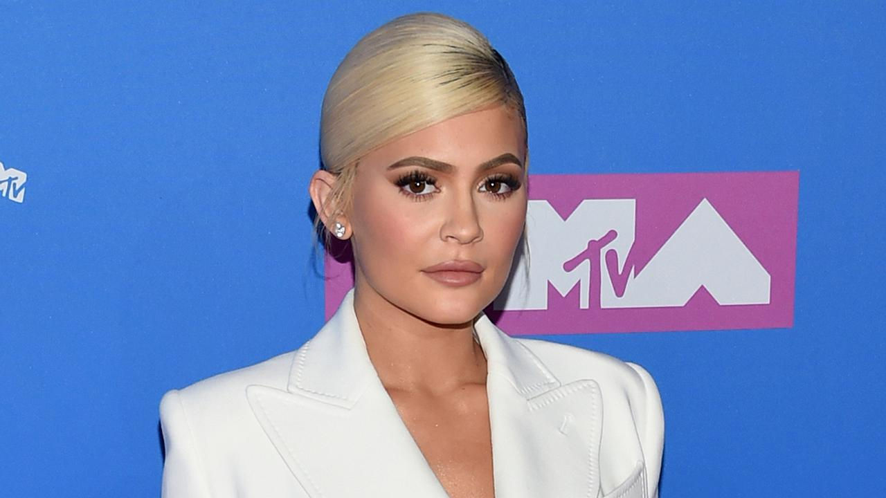 FOX Business' Jackie DeAngelis and Non-Political News founder Vera Gibbons discuss Kylie Jenner's decision to sell 51 percent of her makeup empire and explain why cosmetic companies will need to 'brace' for a rough holiday season.
