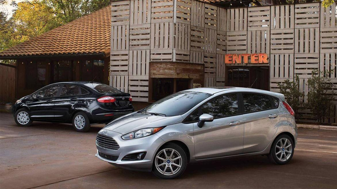 Ford workers report mechanical problems with the Fiesta and Focus models as the company faces a class-action lawsuit over the double-clutch transmission in the two models. FOX Business' Jeff Flock with more.