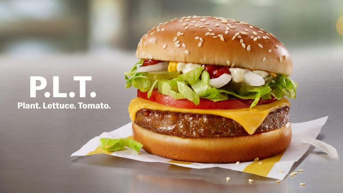 McDonald's is testing a plant-based burger in Canada and Impossible Foods has won a climate award from the United Nations. FOX Business' Lauren Simonetti with more.