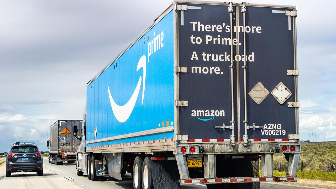 Former Toys 'R' Us CEO, former HBC CEO, former Target vice chairman and Storch Advisors CEO Jerry Storch discusses a new report calling out Amazon for over 60 crashes involving Amazon drivers.
