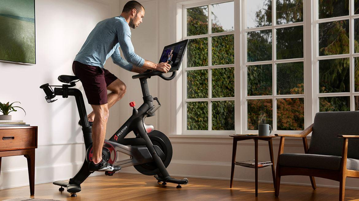 Strategic Wealth Partners' Mark Tepper discusses the controversial Peloton commercial, the exercise bike's stock and consumer strength following Cyber Monday sales.