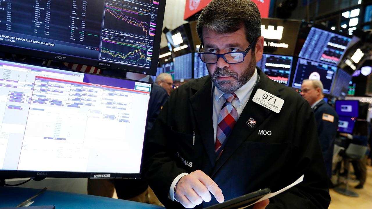 Former investment banker Carol Roth, Capitalist Pig hedge fund's Jonathan Hoenig, 1 Empire Group's John Burnett and Heritage Foundation economist Steve Moore discuss U.S. markets and their predictions for 2020.