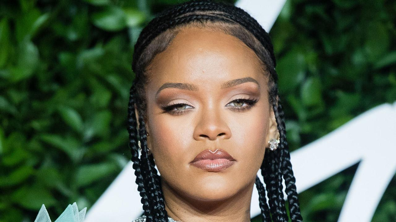 Fox News Headlines 24/7 anchor Brett Larson discusses pop star Rihanna's documentary and why streaming services are willing to shell out big bucks for rights to exclusive documentaries and films.