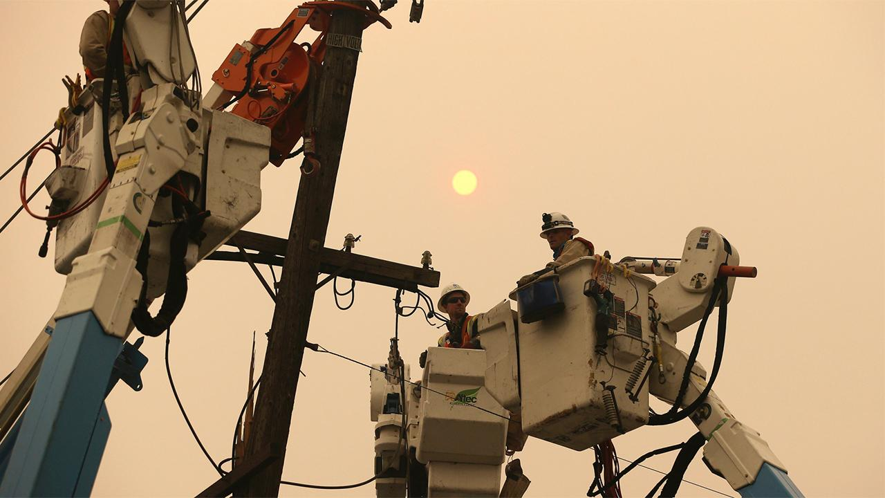 Fox Business Briefs: California state regulators find PG&E neglected power lines for years, including the one that sparked the deadly Camp Fire; the dramatic rise and fall of WeWork and its former CEO Adam Neumann will be brought the big screen.