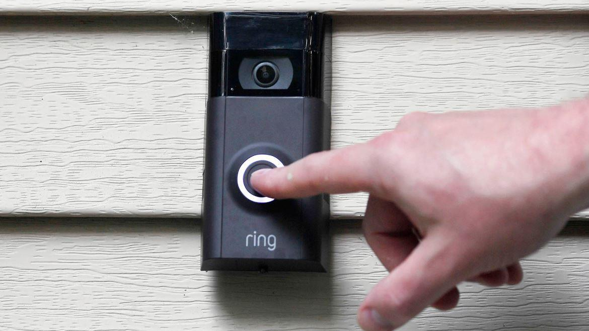 A Florida homeowner has been taunted by a Ring hacker who did not leave even after police had arrived. FOX Business' Maria Bartiromo with more.