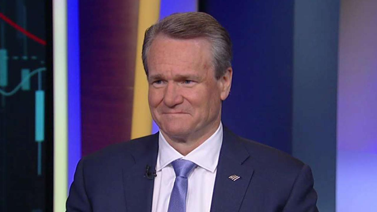 Bank of America CEO and chairman Brian Moynihan discusses digital banking, standing out in the banking industry and increasing employee hourly wages.