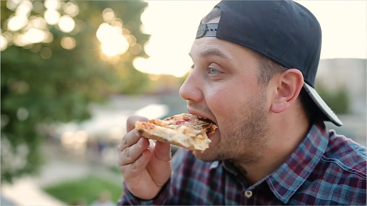 TripAdvisor created a top 10 list of pizza restaurants that excludes larger fast-food chains.