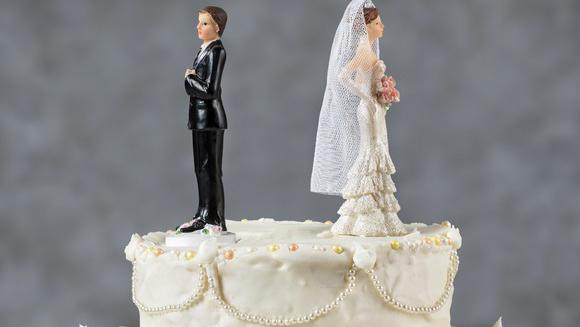 Wall Street Journal opinion writer Jillian Melchior discusses why an increased number of couples split in January.