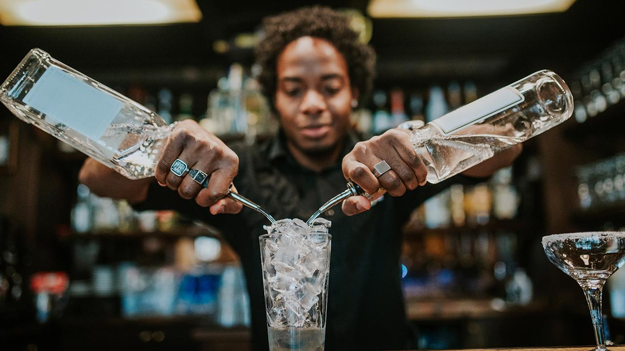 Former investment banker and creator of the Future File legacy planning system Carol Roth discusses Wynn Resorts planning to install robot bartenders in its Las Vegas casino.