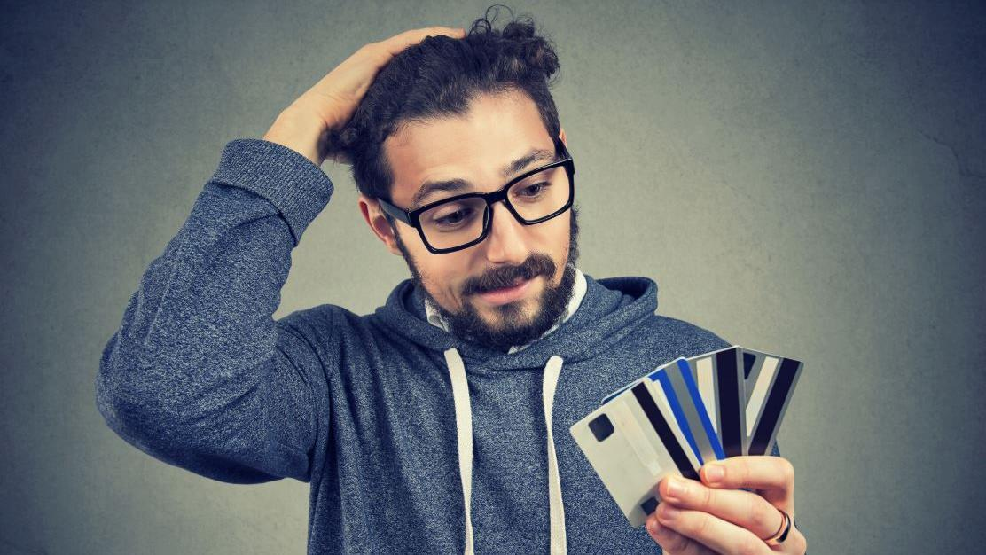 Creditcards.com industry analyst Ted Rossman breaks down ways Americans can boost their credit scores regardless of their income.
