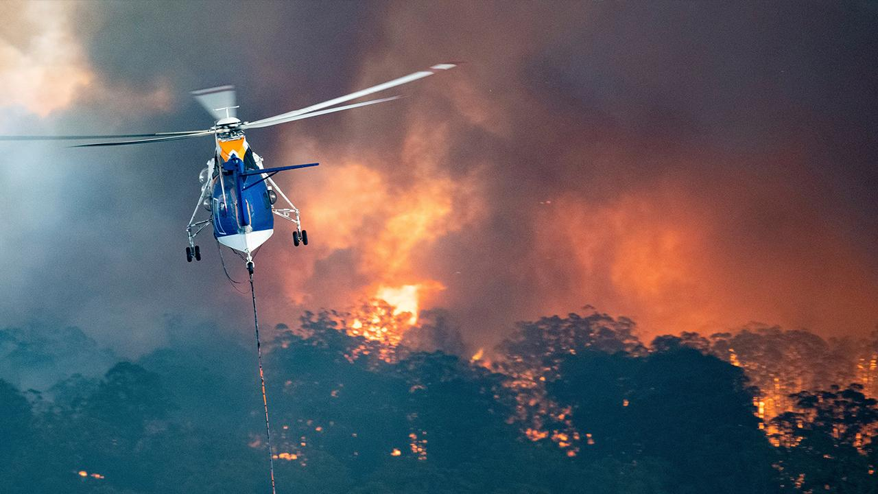 Fox News' Benjamin Hall reports on thousands of people evacuating because of Australian wildfires.