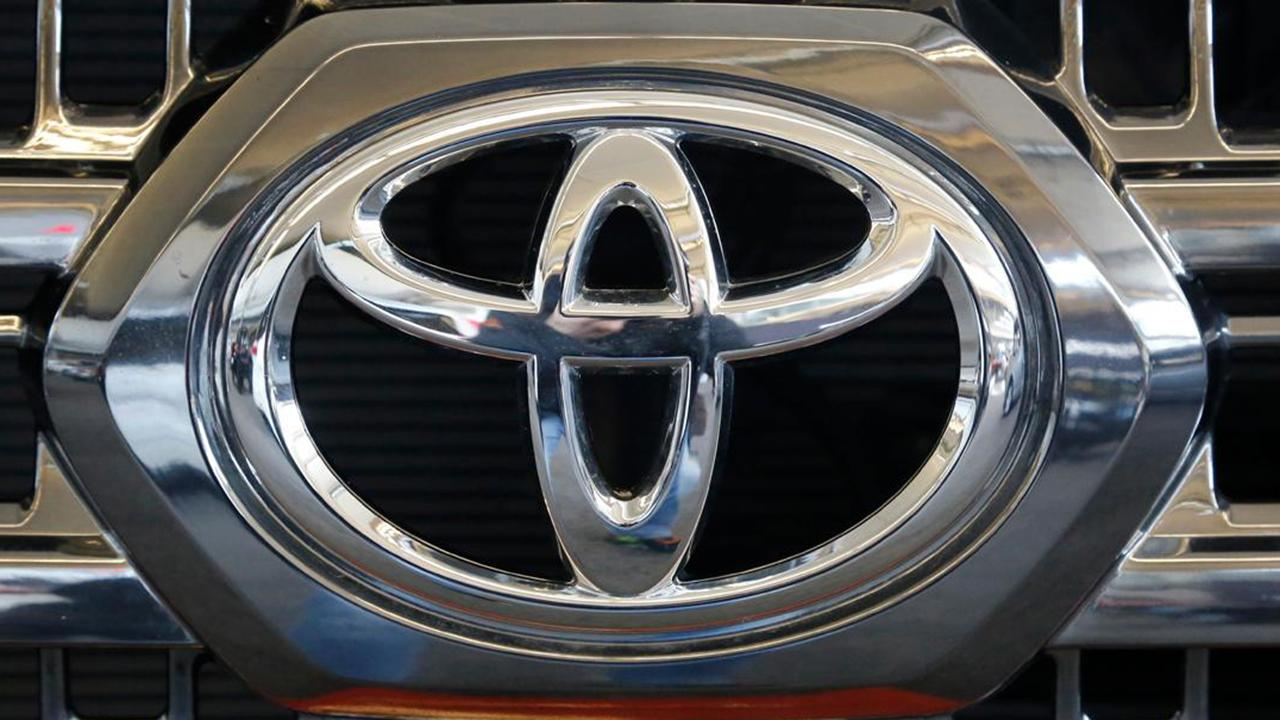 Fox Business Briefs: Toyota is recalling nearly 700,000 vehicles in the U.S. because the fuel pumps can fail and cause engines to stall.