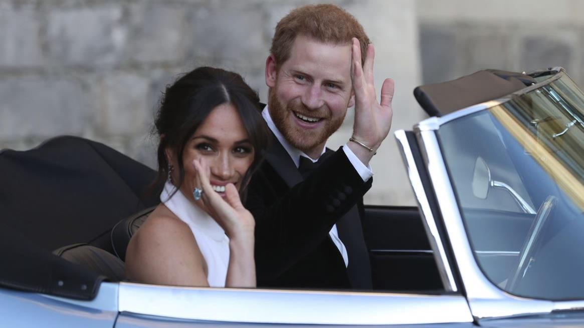Former UK Independence Party leader Nigel Farage argues Prince Harry and Meghan Markle wanted both the privileges of being royal and the freedom to make their fortune, but the Queen prevented them from 'having it both ways.'